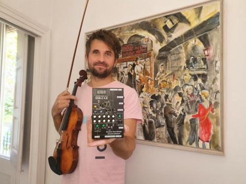 Christoph MallingerProfessional Violinist, and hisEDB-2 H.E